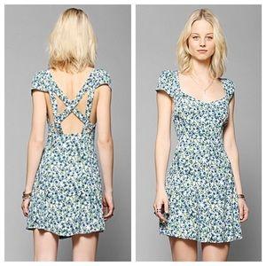 UO Kimchi blue cross back blue floral sun dress